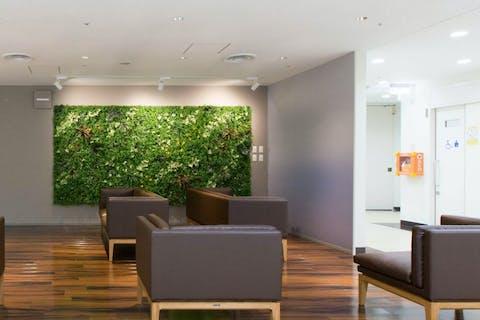【オフィスビルの施工事例】リフレッシュスペースらしく、癒しや安らぎを与える空間に変わりました。