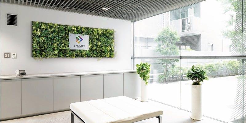 フェイクグリーンを取り入れると働きやすいオフィス空間が作れます。
